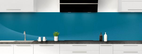 Crédence de cuisine Ombre et lumière couleur bleu baltic panoramique