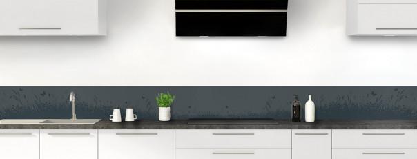 Crédence de cuisine Prairie et papillons couleur gris carbone dosseret motif inversé