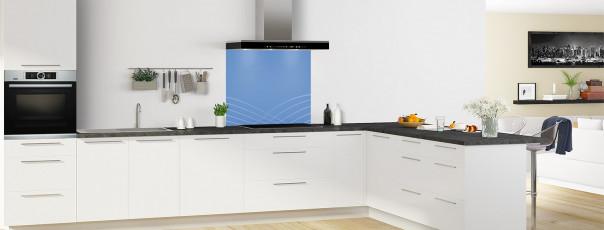 Crédence de cuisine Courbes couleur bleu lavande fond de hotte en perspective