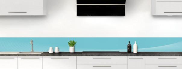 Crédence de cuisine Ombre et lumière couleur bleu lagon dosseret motif inversé