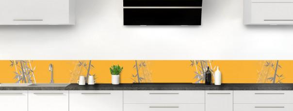 Crédence de cuisine Bambou zen couleur abricot dosseret motif inversé