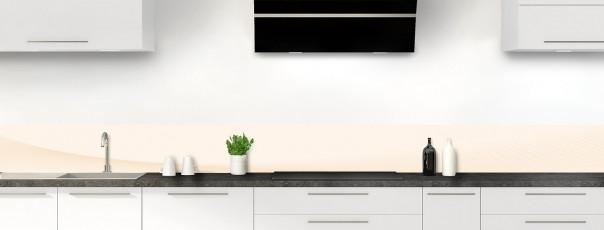 Crédence de cuisine Ombre et lumière couleur magnolia dosseret