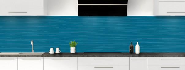 Crédence de cuisine Lignes horizontales couleur bleu baltic panoramique