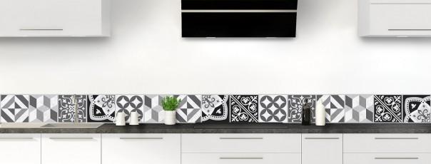 Crédence de cuisine Carreaux de ciment contemporain  Noir et Blanc dosseret