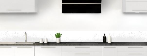 Crédence de cuisine Prairie et papillons couleur blanc dosseret motif inversé