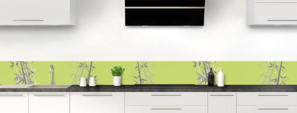 Crédence de cuisine Bambou zen couleur vert olive dosseret motif inversé