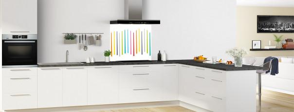 Crédence de cuisine Barres colorées couleur blanc fond de hotte en perspective
