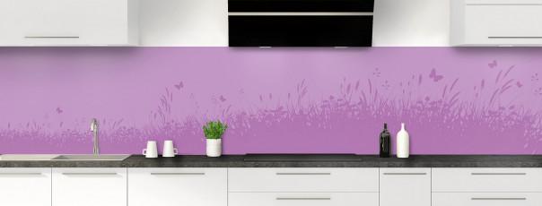Crédence de cuisine Prairie et papillons couleur parme panoramique motif inversé