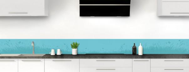 Crédence de cuisine Prairie et papillons couleur bleu lagon dosseret motif inversé