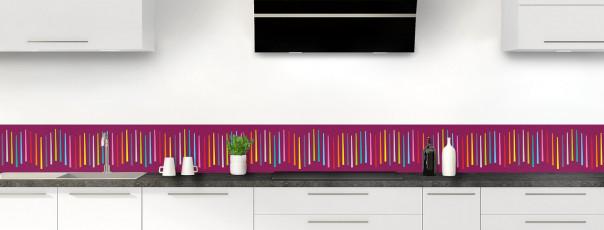 Crédence de cuisine Barres colorées couleur prune dosseret