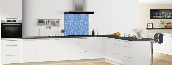 Crédence de cuisine Rideau de feuilles couleur bleu lavande fond de hotte en perspective