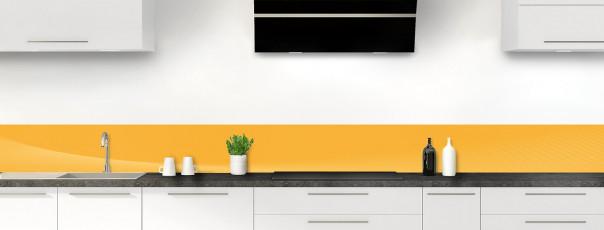 Crédence de cuisine Ombre et lumière couleur abricot dosseret