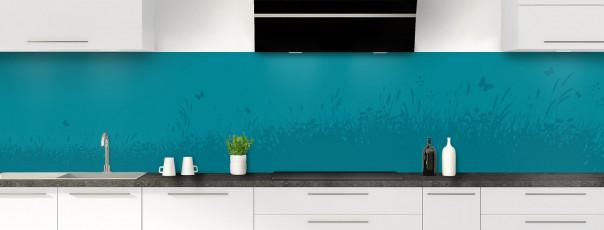 Crédence de cuisine Prairie et papillons couleur bleu canard panoramique motif inversé