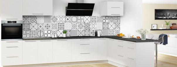 Crédence de cuisine Carreaux ciment tradition Noir et Blanc panoramique en perspective