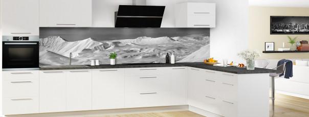 Crédence de cuisine Montagnes enneigées Noir et blanc panoramique en perspective