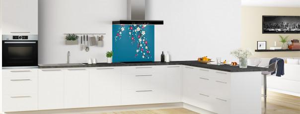 Crédence de cuisine Arbre fleuri couleur bleu baltic fond de hotte en perspective