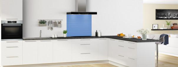 Crédence de cuisine Lignes horizontales couleur bleu lavande fond de hotte en perspective
