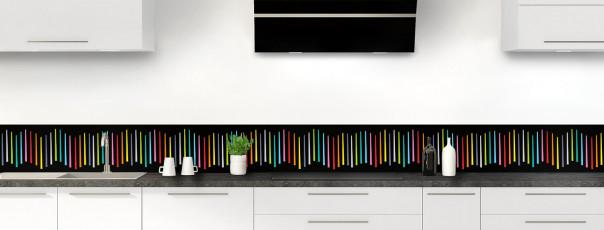 Crédence de cuisine Barres colorées couleur noir dosseret