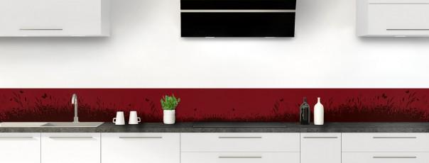 Crédence de cuisine Prairie et papillons couleur rouge pourpre dosseret