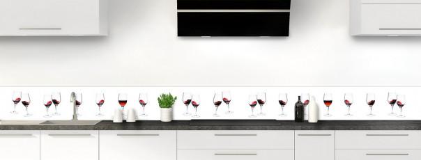 Crédence de cuisine Verres de vin rouge dosseret