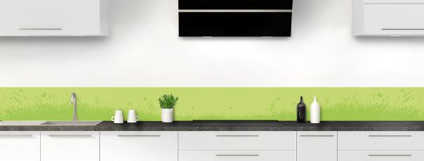 Crédence de cuisine Prairie et papillons couleur vert olive dosseret motif inversé