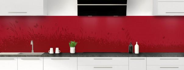 Crédence de cuisine Prairie et papillons couleur rouge carmin panoramique