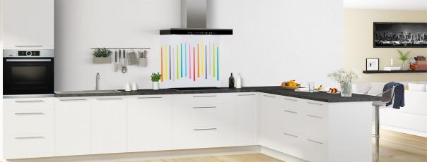 Crédence de cuisine Barres colorées couleur gris clair fond de hotte en perspective