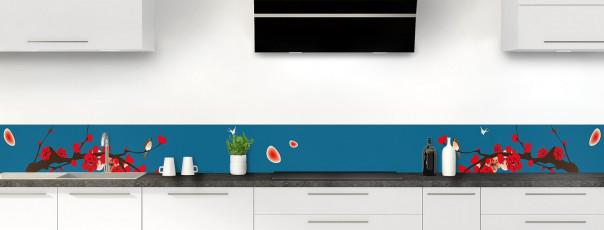 Crédence de cuisine Cerisier japonnais couleur bleu baltic dosseret