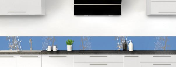 Crédence de cuisine Bambou zen couleur bleu lavande dosseret motif inversé
