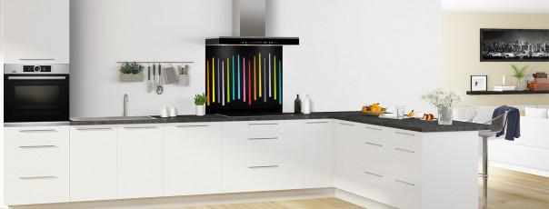 Crédence de cuisine Barres colorées couleur noir fond de hotte en perspective