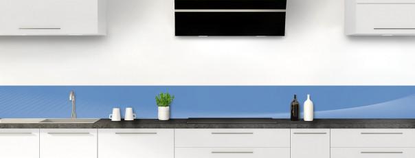 Crédence de cuisine Ombre et lumière couleur bleu lavande dosseret motif inversé