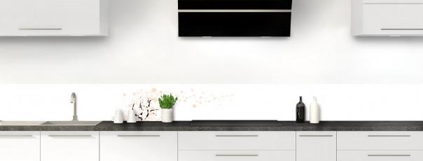 Crédence de cuisine Arbre d'amour couleur magnolia dosseret