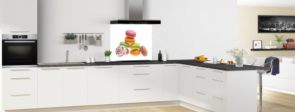 Crédence de cuisine Montagne de macarons fond de hotte en perspective