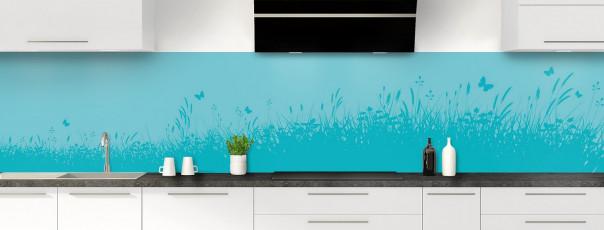 Crédence de cuisine Prairie et papillons couleur bleu lagon panoramique motif inversé