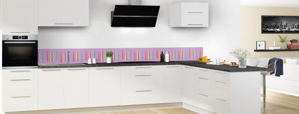 Crédence de cuisine Barres colorées couleur parme dosseret en perspective