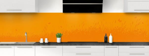 Crédence de cuisine Prairie et papillons couleur abricot panoramique motif inversé