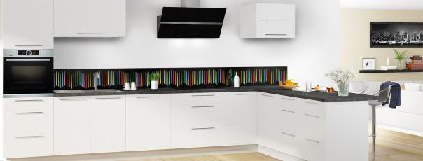 Crédence de cuisine Barres colorées couleur noir dosseret en perspective
