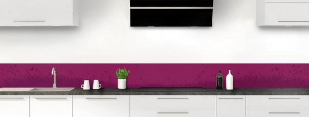 Crédence de cuisine Prairie et papillons couleur prune dosseret motif inversé