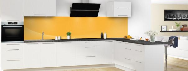 Crédence de cuisine Ombre et lumière couleur abricot panoramique en perspective