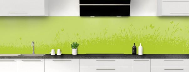 Crédence de cuisine Prairie et papillons couleur vert olive panoramique motif inversé