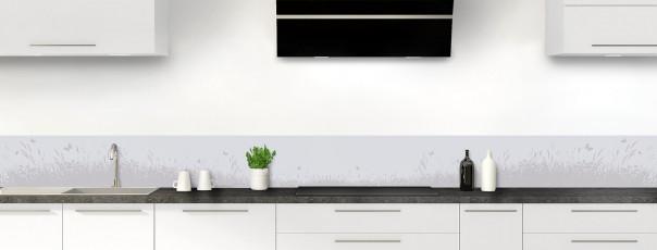 Crédence de cuisine Prairie et papillons couleur gris clair dosseret motif inversé