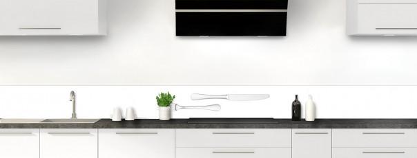Crédence de cuisine Fourchette et couteau fond blanc dosseret motif inversé